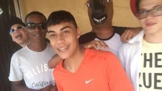 Parodia clipe  Karol Conka - Bate A Poeira
