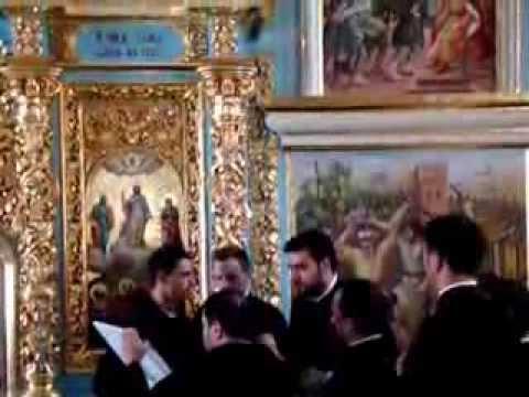 2012 08 05 7 Kyiv Pechersk Lavra Byzantion singing MOV01938
