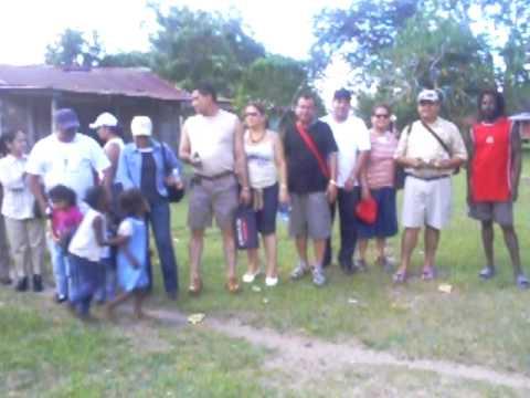 Grupo de excursionistas en Haulover, Rass, Nicaragua