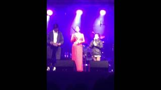 A Whole New World (Lea Salonga live in Auckland - with guest performance from the audience)