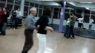 aula de dança: marchinha na Academia Tempero do Corpo formatura09/2009