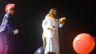 30 Seconds To Mars - Do Or Die - Jared + Bulgarian fans + a teddy bear on stage