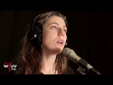 julia-holter-feel-you-live-at-wfuv-wfuv-public-radio