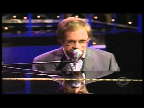 warren-zevon-hit-somebody-the-hockey-song-david-letterman-show-2002-hd-warrenzevonaddict