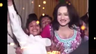 Hot Mujra With Kids