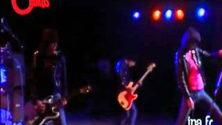 I Wanna Be Sedated - The Ramones - Live