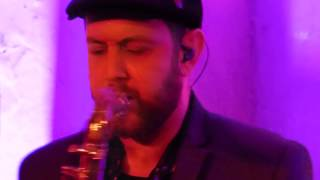 Matt Simons - Playing Saxophone - 03.02.2015 Prinzenbar Hamburg