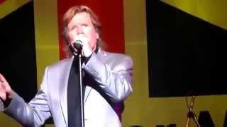 Herman's Hermits Live - Dandy ft. Peter Noone 2014