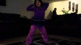 Hoshy bailando