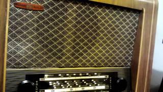 Roadrunner - Junior Walker and The All Stars through 1953 Pye valve wireless - DAB broadcast.