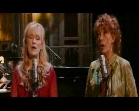 meryl-streep-and-lily-tomlin-goodbye-to-my-mama-florencia-sheker