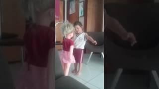 Meu primeiro vídeo no canal Clara e sofhia