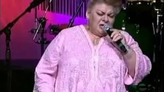 Paquita La Del Barrio   'Las Mujeres Mandan'