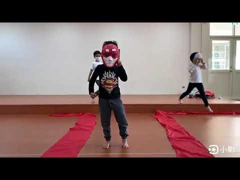萬聖節面具秀 - YouTube