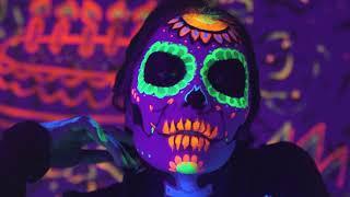 J Balvin & Willy William - Mi Gente (Steve Aoki Remix) [Official Music Video]