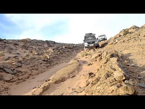 Steep descent to Gaat Mezwar, Morocco