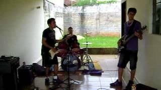 Banda Menopausa - Exagerado (Cover Cazuza).AVI