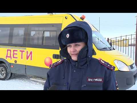 Тазовский. Будущим водителям снегоходов предложили проверить свои силы и сдать пробные экзамены.