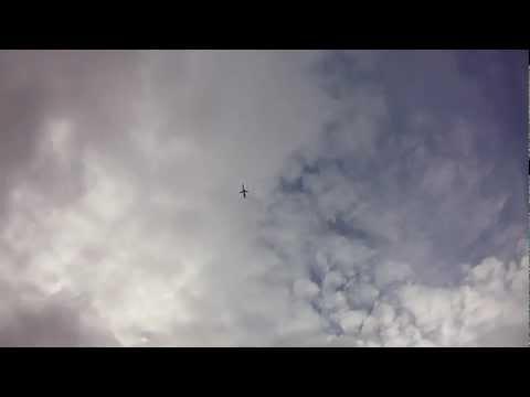 Ushuaia. Argentina. Un avión, un barco y Leonardo Vladimir en el Canal de Beagle.