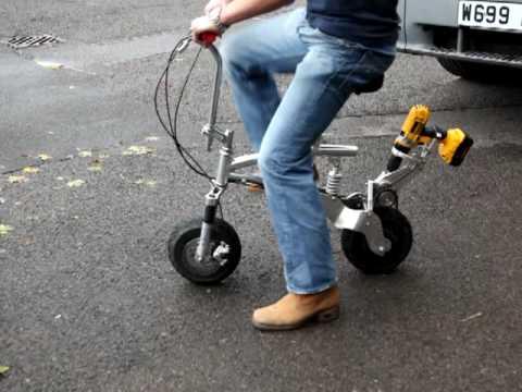 Cykel Som Drivs Av En Borrmaskin Dpx Drill Powered