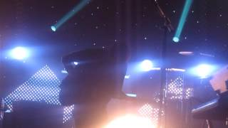 M83 -  Outro (Live @ Brixton Academy, London, 08.11.12)
