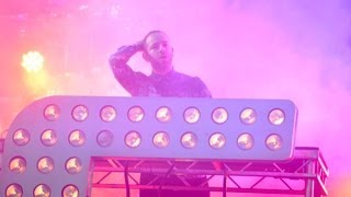 Chase & Status - Count On Me (feat. MOKO) at Reading Festival 2013