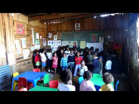 School children singing – South Africa community volunteer project