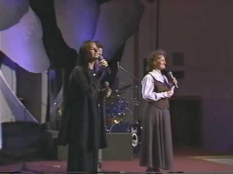 the-martins-he-leadeth-me-newtz2000