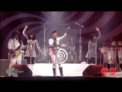 janelle-monae-givin-em-what-they-love-lowlands-2014-lowlands
