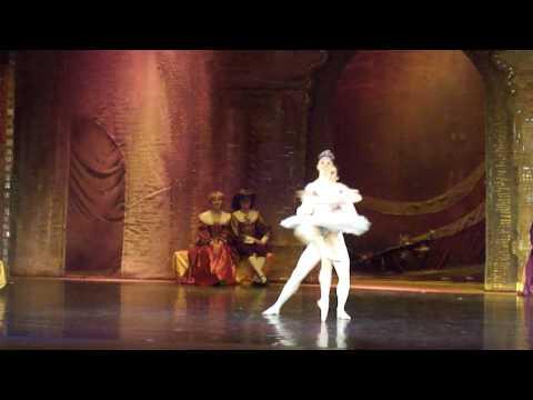 Bailarines de Rusia Brinda su espectaculo en Ukraine parte 11
