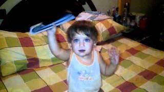 Andrea bailando a joder a otra parte