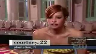 Courtney singer in a leg cast SLC