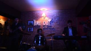 Overnight Band - Raggamuffin live @ Time out Roman