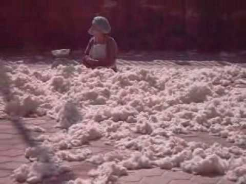 Rokpa Nepal – Women Making Pillows.wmv