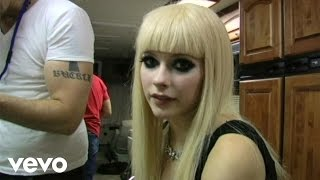 "Avril Lavigne - ""Hot"" Behind The Scenes Web.3"