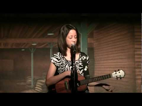 brittni-paiva-tamacun-ukulele-brittni-paiva