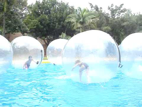 sun city boy and girl in a bubble.MPG