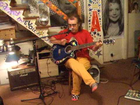 alison-moyet-is-this-love-acoustic-cover-danny-mcevoy-thewalruswasdanny
