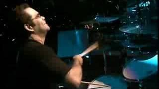 Bruno e Marrone -- Um Tremendo Bobão - Clipe Oficial
