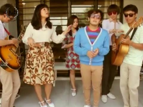 white-shoes-the-couples-company-sunday-memory-lane-nina-anggraeny