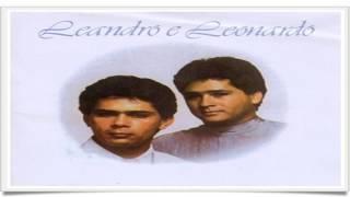 Leandro & Leonardo - Não Olhe Assim Não