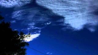 light iridescent cirrus cloud series bright patch 8x timelapse V10857a