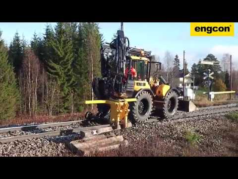 Sleeper/Tie replacement with a Huddig 1260C Rail & engcon tiltrotator