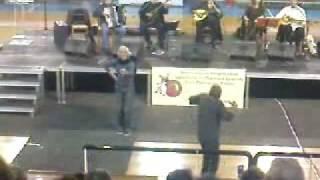 Show στη Ρεμπέτικη συναυλία του Μπάμπη Γκολέ : Πάτρα 15/12/08