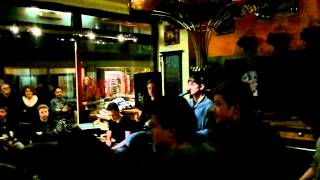 2 Euro Schulden - What You Know (Two Door Cinema Club cover, live @ Mocca Nova Akustiksession)