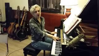 "Morgan canta in videochat ""Perfect Day"" (di Lou Reed) 12/04/2017"