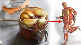 Eat Garlic Mixed with Honey for 7 Days and This will Happen To Your Body