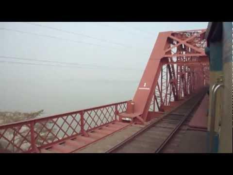 Bangladesh Railway 726 Down Sundarban ICE Crossing Hardinge Railway Bridge.MP4