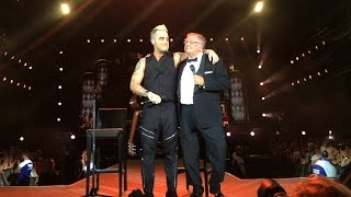 Robbie Williams & Pete Conway - Better Man (live at Bucharest - Let Me Entertain You Tour 2015)