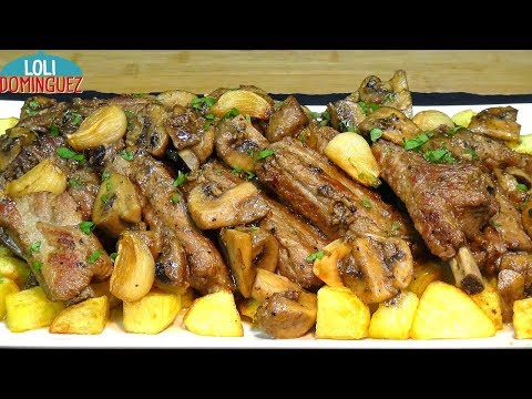 Costillas de cerdo al ajillo con champiñones y patatas, receta fácil y económica - Loli Domínguez